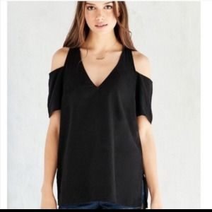 Silence and Noise Cold Shoulder Top